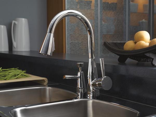 Single Handle Pull-Down Kitchen Faucet : 63070LF-PC : Venuto ...