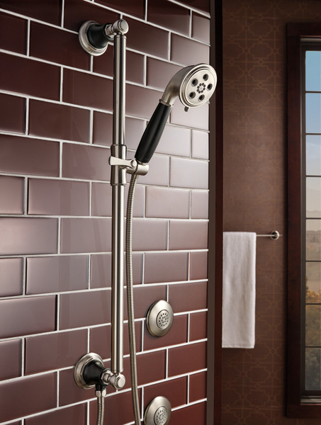 ROOK_MEDIUM_FLOW_CUSTOM_SHOWER_88761-NKBL_T84613-NK_SH84103-NK_692461-NKBL_DETAIL_ROOM_WEB.jpg