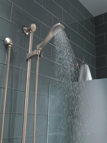 RSVP_MEDIUM_FLOW_CUSTOM_SHOWER_89710-BN_69935-BN_DETAIL_WATER_WEB.jpg